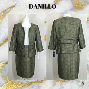 DANILLO Wome's Two Piece Dress Suit Size 8